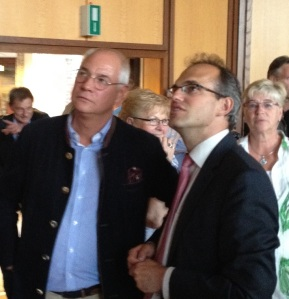 """Hans-Heino Meier (CDU, links) und """"sein"""" Kandidat"""