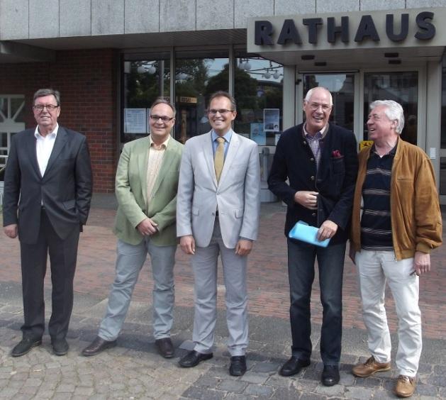 Sieht so eine Front aus? Konrad Freiberg (SPD), Oliver Panak (Grüne), Christian Carstensen, Hans-Heino Meier (CDU) und Helmut Stolze (FDP)