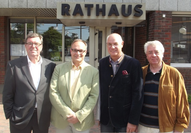 Das sind die Bösen, die müssen Sie sich merken! Von links nach rechts: König Konrad, der Usurpator, O.W.Panik, Hans-Heino Flyer und Harry von der Drei-Punkt-Bande